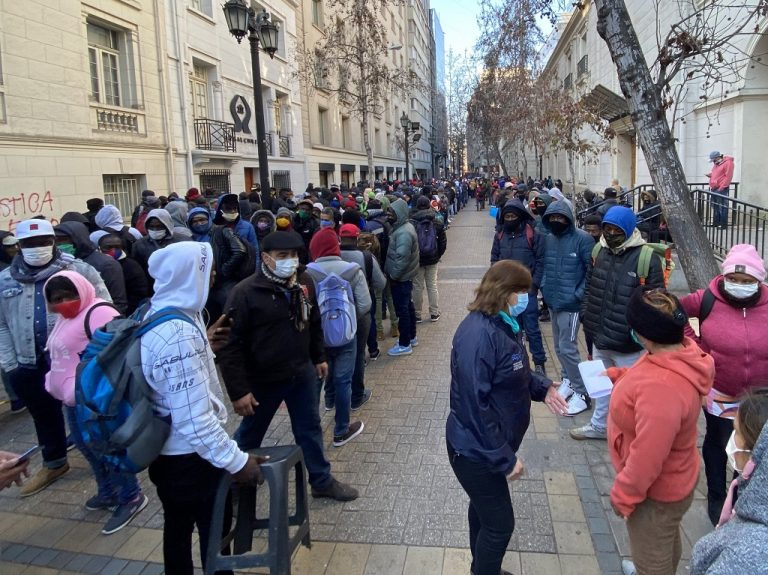Más del 70% de los chilenos han sido rechazados en la obtención de bonos del Gobierno