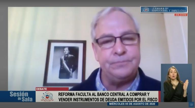 Urrutia lo hace de nuevo y sigue provocando con imagen de Pinochet