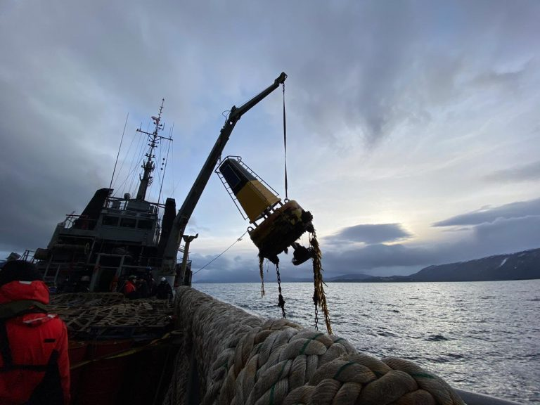 Armada denuncia diversos daños en equipos de señalización marítima en la zona austral