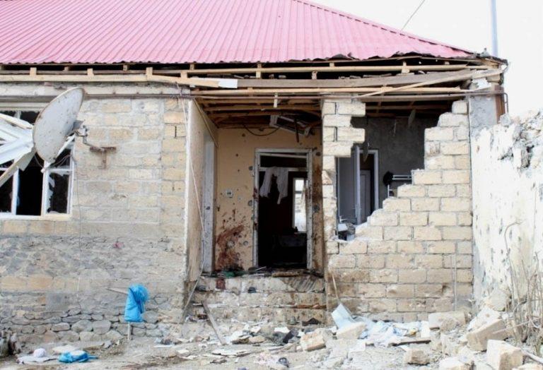 Azerbaiyán informa de 12 civiles muertos y 35 heridos en Nagorno Karabaj