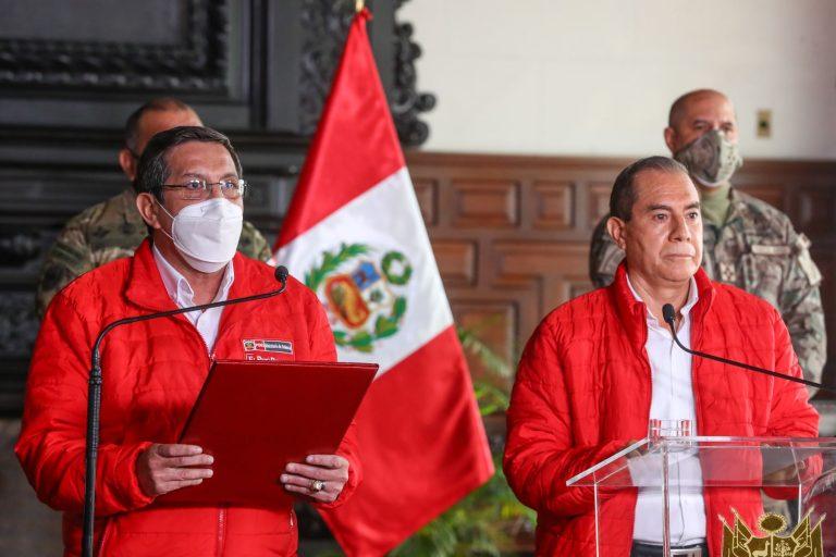 Perú: Gobierno denuncia intento del Congreso por involucrar a las FFAA a que se unan a destitución del Presidente