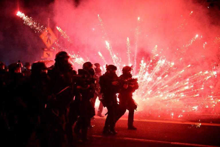 EEUU: Portland sumida en las protestas y enfrentamientos  por violencia racial y policial