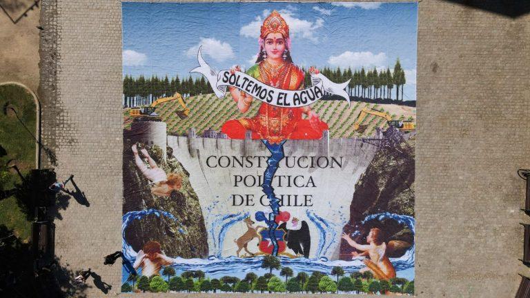 Caiozzama y Greenpeace realizan intervención artística pidiendo que tema del agua esté en la nueva Constitución