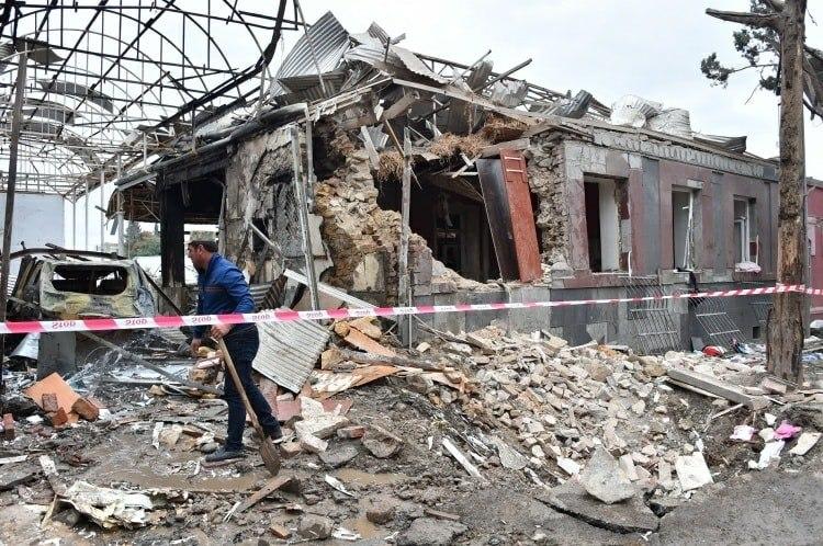 Azerbaiyán denuncia que los bombardeos armenios han dejado 24 civiles muertos desde el 27 de septiembre