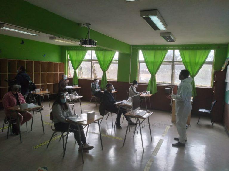 Pdte. de los profesores desestima estudio suizo que minimiza riesgo de volver a clases
