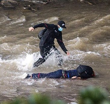 Carabineros descarta que policía haya lanzado al río Mapocho a joven manifestante