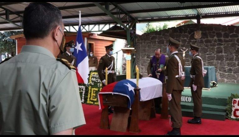 """Jefe de la IX Zona Araucanía por carabinero asesinado: """"Se levantó ayer para servir a Chile y hoy lo tenemos en un ataúd"""""""