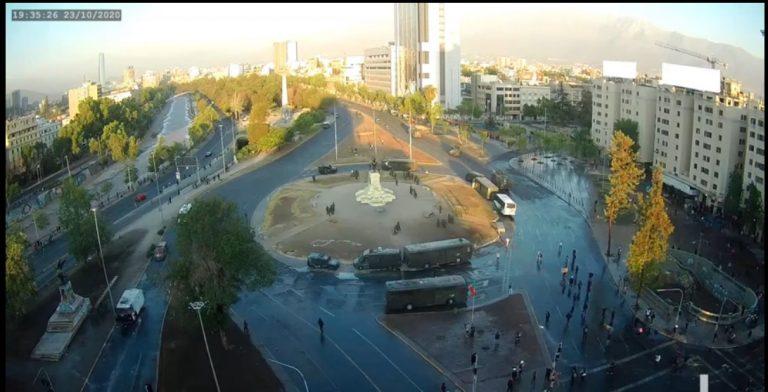 A dos días del plebiscito, Plaza Italia vuelve a ser el epicentro de manifestaciones