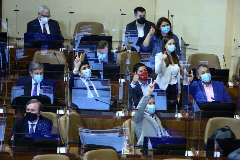 """Diputado RN dispara contra el """"fantasma"""" del ministro Briones y reconoce quiebre en Chile Vamos"""