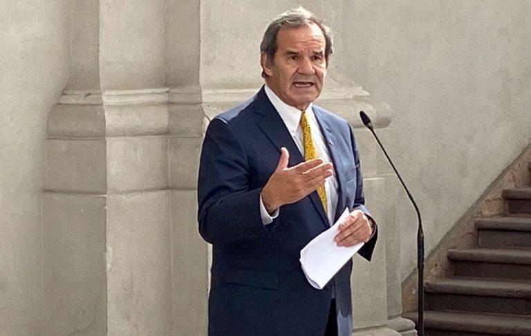 Ministro Allamand insiste en fracasada estrategia de asociar rechazo al TPP-11 con ataque al legado de la ex Presidenta Bachelet