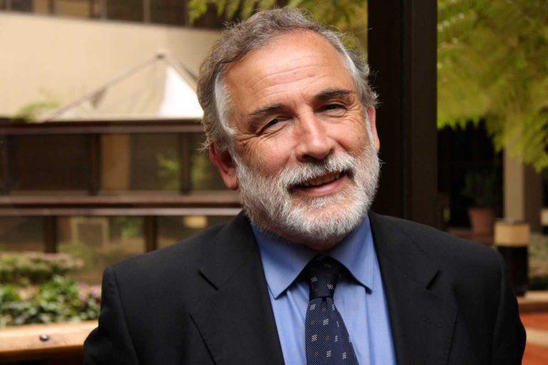 """Carlos Montes y urgentes reformas al Senado: """"Los chilenos piensan que el Parlamento no responde a sus necesidades"""""""