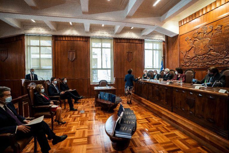 Tricel hizo entrega de los resultados oficiales del Plebiscito Nacional a los tres poderes del Estado