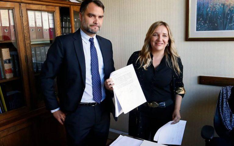 María José Hoffman se baja de la carrera presidencial de la UDI y deja a Javier Macaya la tarea de enfrentar a Víctor Pérez