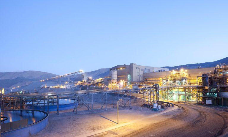 Estos si que no entienden nada: Trabajadores de Minera Candelaria rechazaron bono de $13,5 millones y pasaron a huelga indefinida