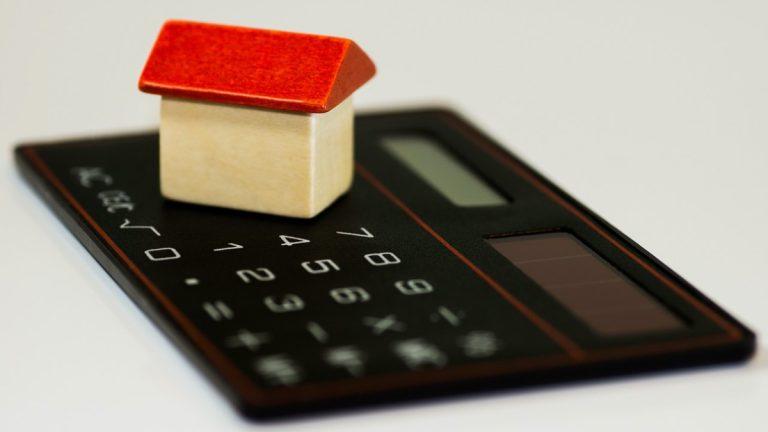 Las tasas hipotecarias de Estados Unidos caen a un mínimo récord