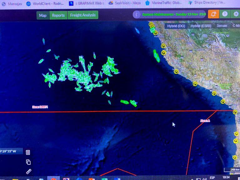 Armada de Chile aclara que megaflota pesquera china sigue frente a Perú y a 66 Km de la ZEE chilena