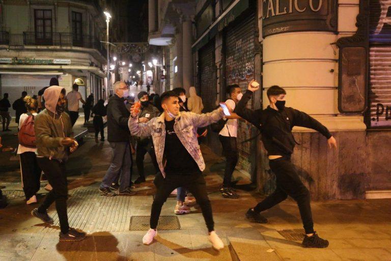 España: Se extienden las violentas protestas contra el confinamiento por Segunda Ola de Coronanivrus