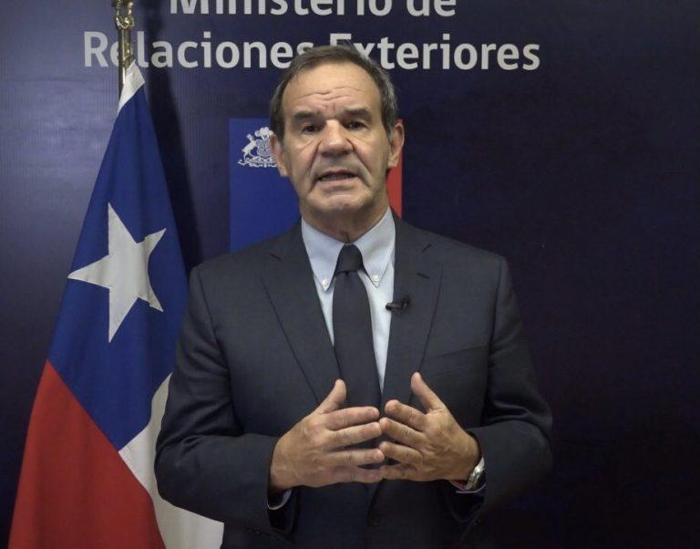 Allamand le mete más presión a Carabineros internacionalizando su crítica