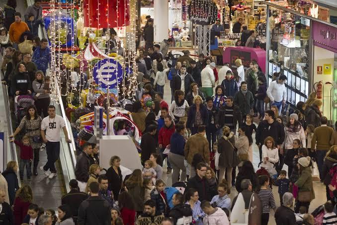 Sutil endosa responsabilidad a la gente por alta afluencia de público en malls