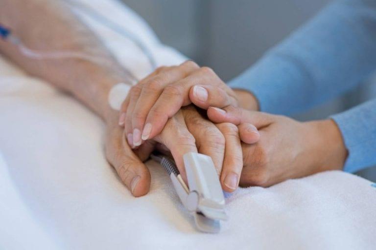 Eutanasia da primer paso en Chile: Cámara aprobó en general proyecto de ley sobre muerte digna y cuidados paliativos.