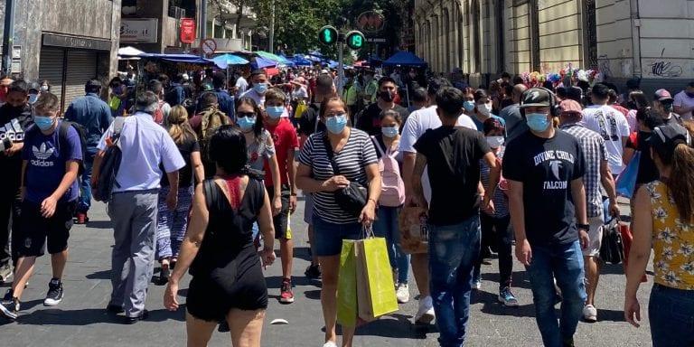 Ante peligroso aumento de casos de coronavirus, ministro Paris insiste en descartar que Chile esté en la segunda ola, aunque el 30 de noviembre dijo lo contrario