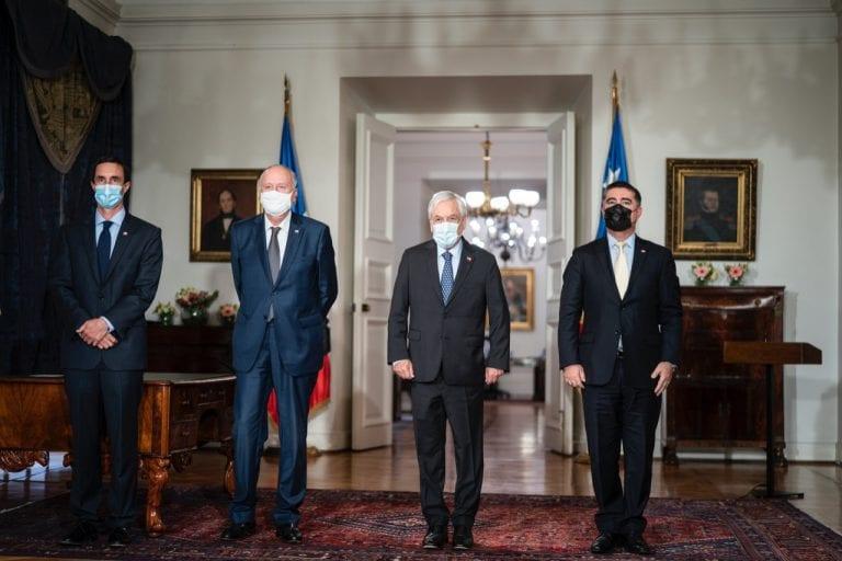 Piñera obligado a su 11° modificación de gabinete para dejar en libertad de acción a Desbordes