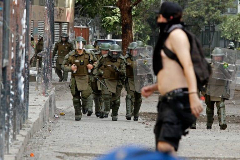 Centro de Justicia de la OEA cuestiona rol de Carabineros en procesos judiciales tras estallido social