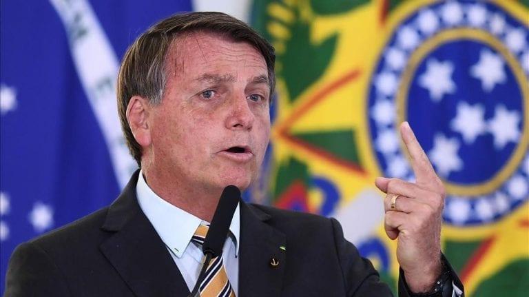 """Bolsonaro sigue alentando el totalitarismo: """"Quien decide si un pueblo va a vivir en la democracia o en la dictadura son sus Fuerzas Armadas"""""""