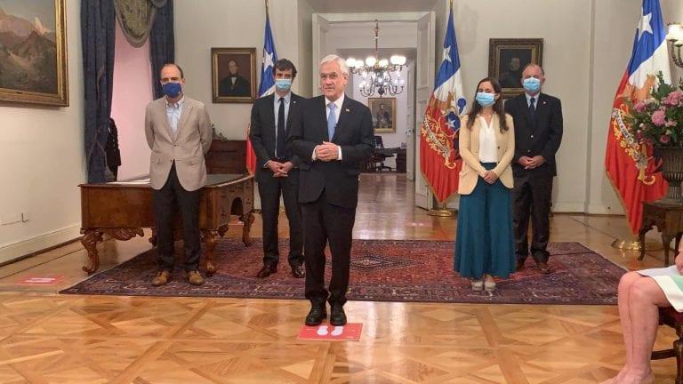 Nuevo ajuste de gabinete: salen los ministros de Segpres y Agricultura junto a 3 subsecretarios