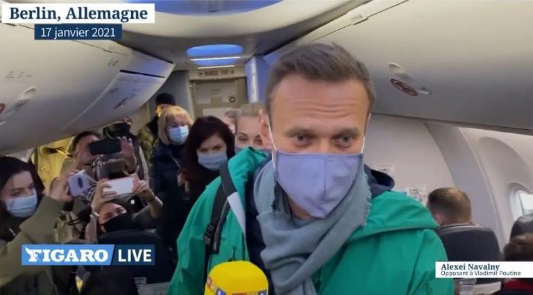 Opositor Navalni  fue detenido al regresar a Rusia desde Alemania