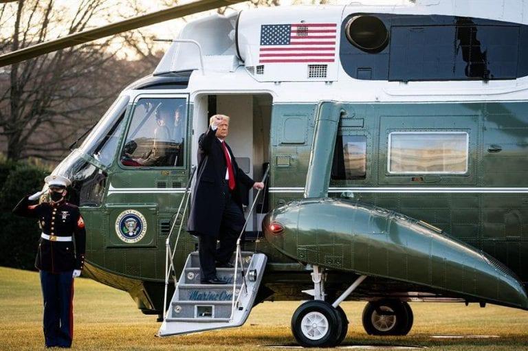 """Trump deja la Casa Blanca prometiendo """"volver de alguna forma"""", mientras se espera el juramento de Biden como 46° Presidente de EE.UU."""