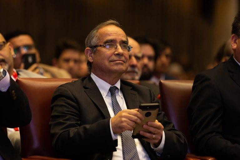 Senador Pugh analiza el aporte del Congreso Futuro y los desafíos venideros para Chile