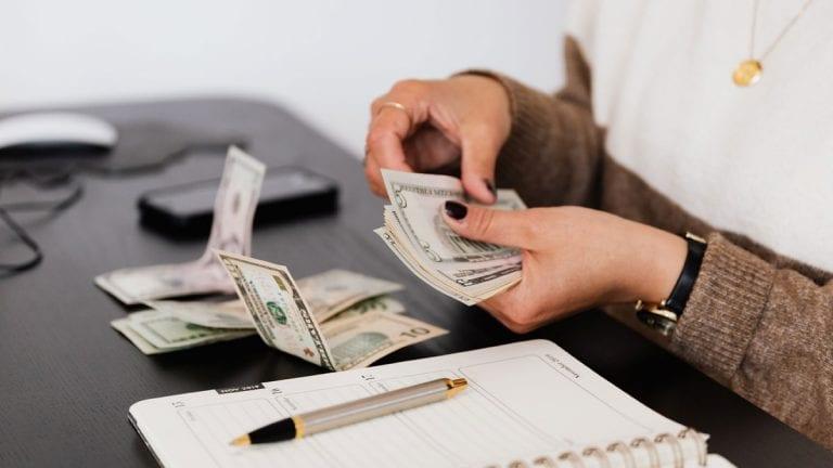 Chilenos no utilizaron el 10% para pagar deudas: Expertos en cobranzas comparan lo sucedido con el primer retiro