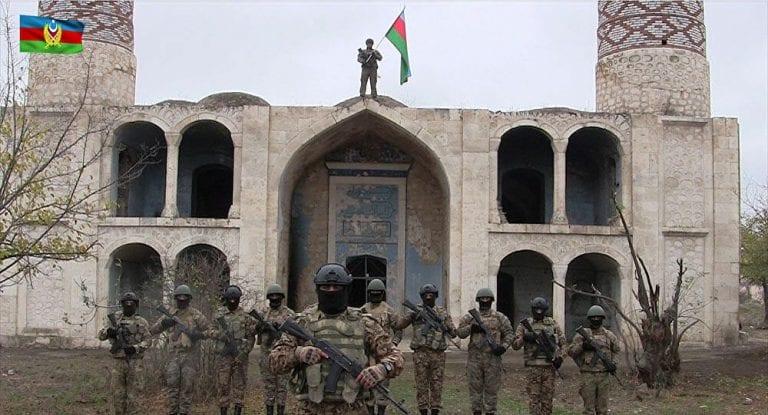 Azerbaiyán denuncia destrucción de históricas mezquitas en zonas que estuvieron tomadas por Armenia