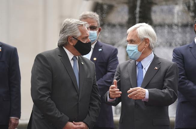 Desbordes ahora saca la voz por los temas con Argentina