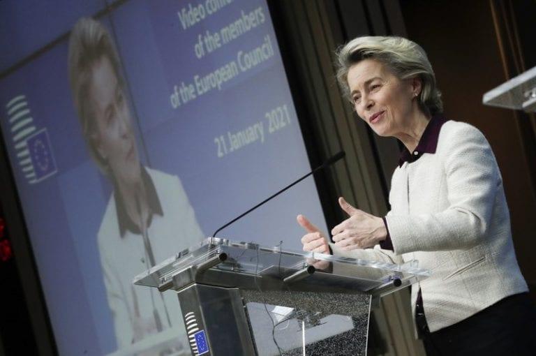 UE golpea la mesa y exige a fabricantes de vacunas que cumplan sus entregas
