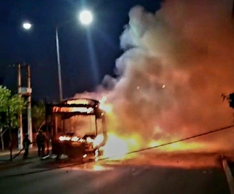 ACTUALIZADO // Serios incidentes en Plaza Ñuñoa , Puente Alto y Maipú en protestas por muerte de malabarista