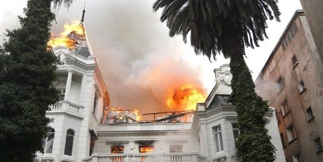 Tribunal condena a 5 años y un día de cárcel a autor del incendio de la U. Pedro de Valdivia