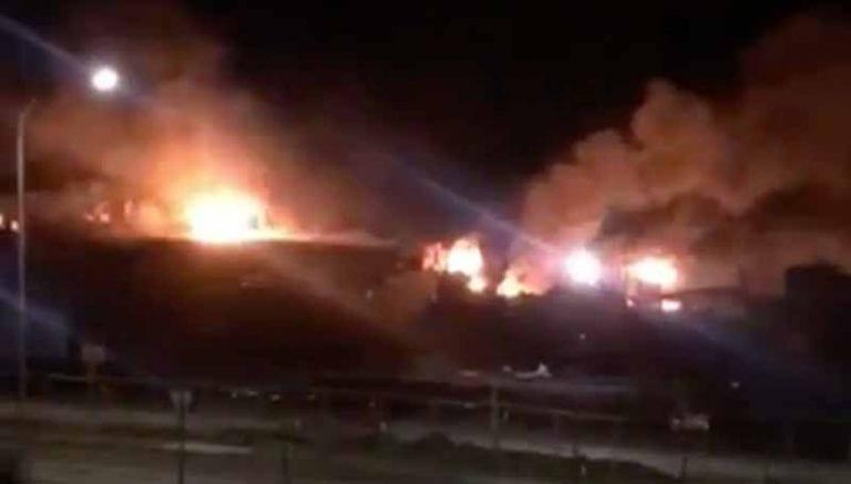 Nuevo ataque incendiario en Temuco deja maquinaria y camiones quemados