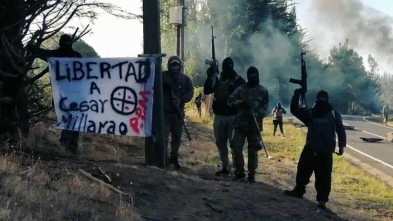 """Senador Pugh apunta a """"señores de la guerra"""" involucrados en los ataques en La Araucanía y también se refiere a la crisis migratoria"""