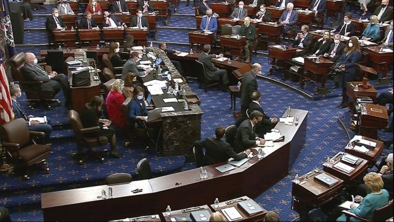 Senadores republicanos salvan a Donald Trump y es absuelto en histórico juicio político