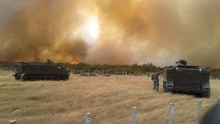 Incendio forestal iniciado en Regimiento Lanceros ya ha consumido 100 hectáreas en Puerto Natales [VIDEOS]
