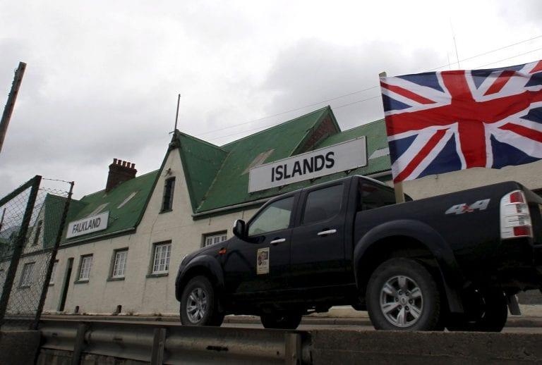 Primer Ministro Británico afirma que está dispuesto a usar la fuerza para defender las islas Falklands