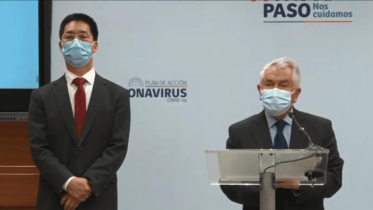 Ministro Paris deploró propuesta de pasaporte verde de la Comisión Europea que excluye a vacuna de Sinovac