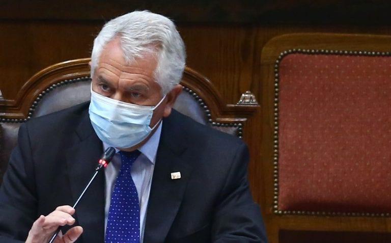 """Egolatría y soberbia monumental del ministro Paris: """"Yo como ministro de Salud tengo aprobación del 70%"""