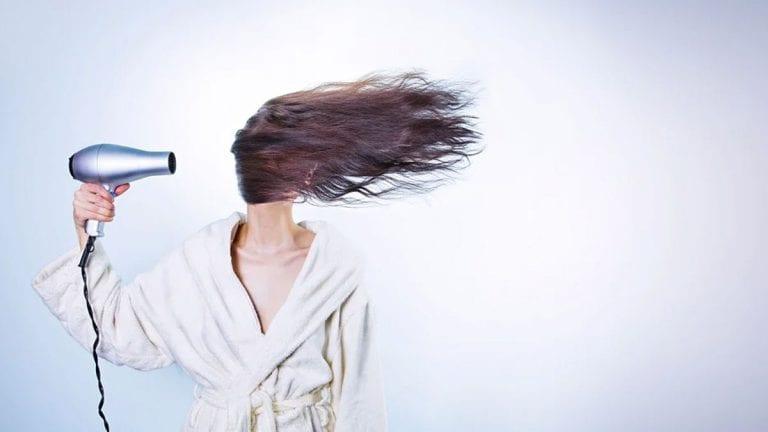 ¿Cómo revivir tu cabello después del verano?