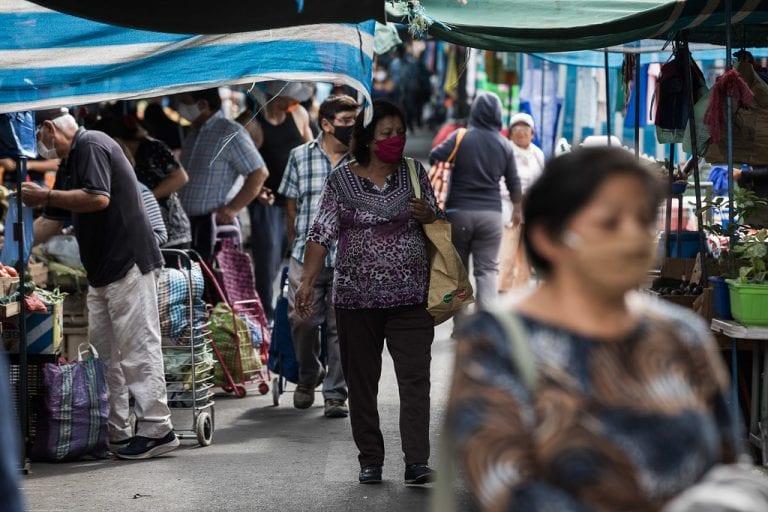 Tras suspensión de fin de semana: Compras en ferias libres y supermercado por delivery hace arder Twitter