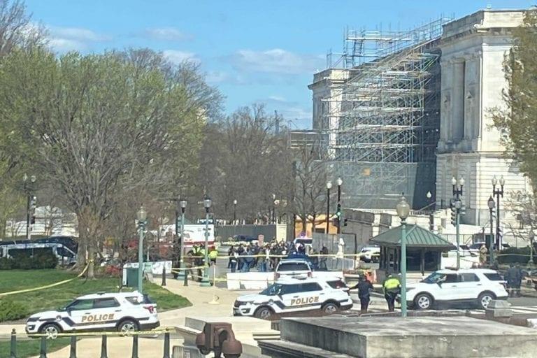"""El Capitolio es cerrado ante una """"amenaza de seguridad externa"""""""