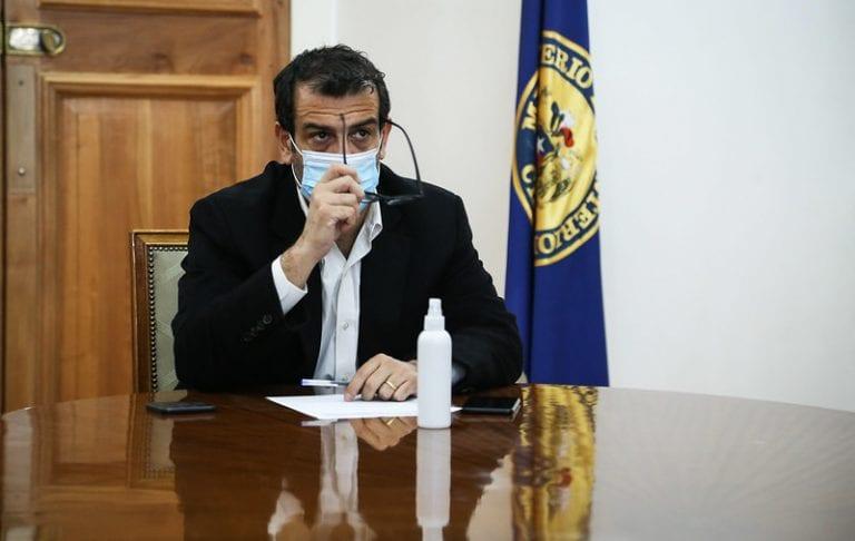 Caso Luminarias llega a La Moneda y salpica al ministro Delgado