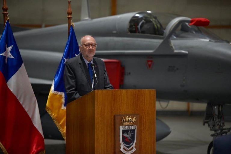 Frente Amplio confirmó que cuenta con las firmas para interpelar al ministro de Defensa